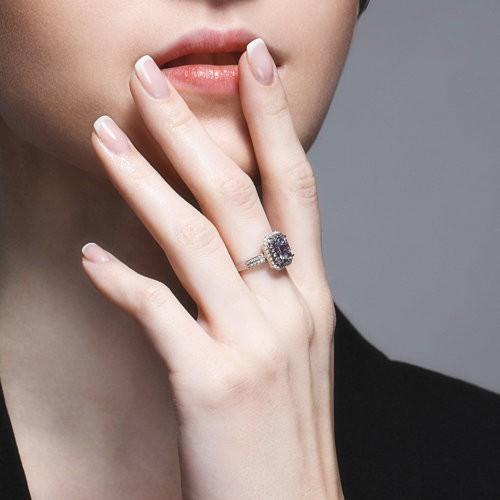 Кольцо 6014177 из золота с танзанитом и бриллиантами SOKOLOV